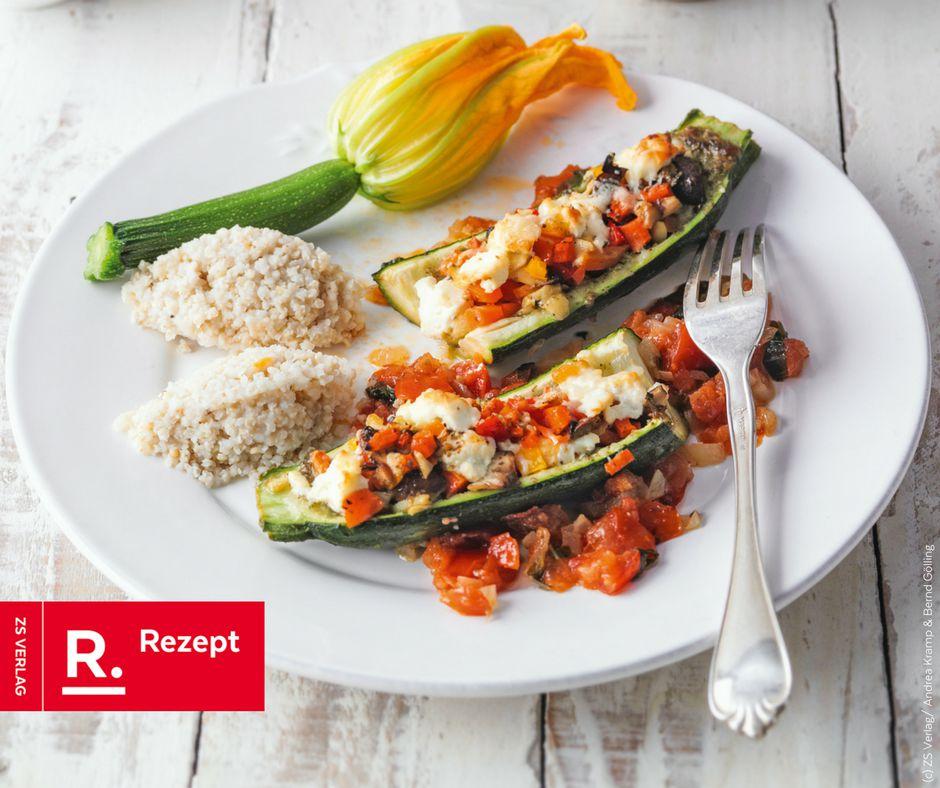 Gefüllte Zucchini mit Hirsenocken - Rezept Bild