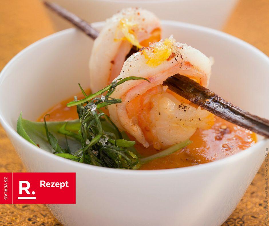 Tomatensuppe mit Zimt und Garnelen - Rezept Bild