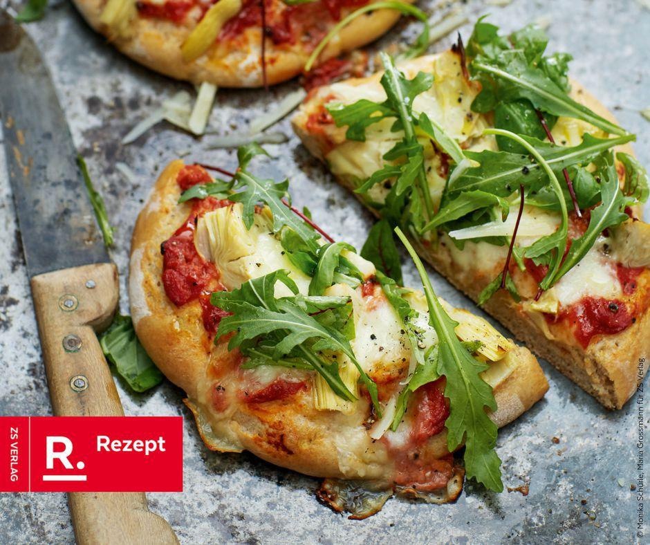Grüne Pizza mit Artischocken und Rucola - Rezept Bild