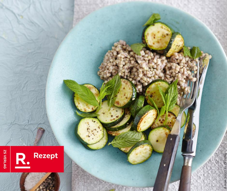 Buchweizen mit Zucchinigemüse - Ein Fastenrezept - Rezept Bild