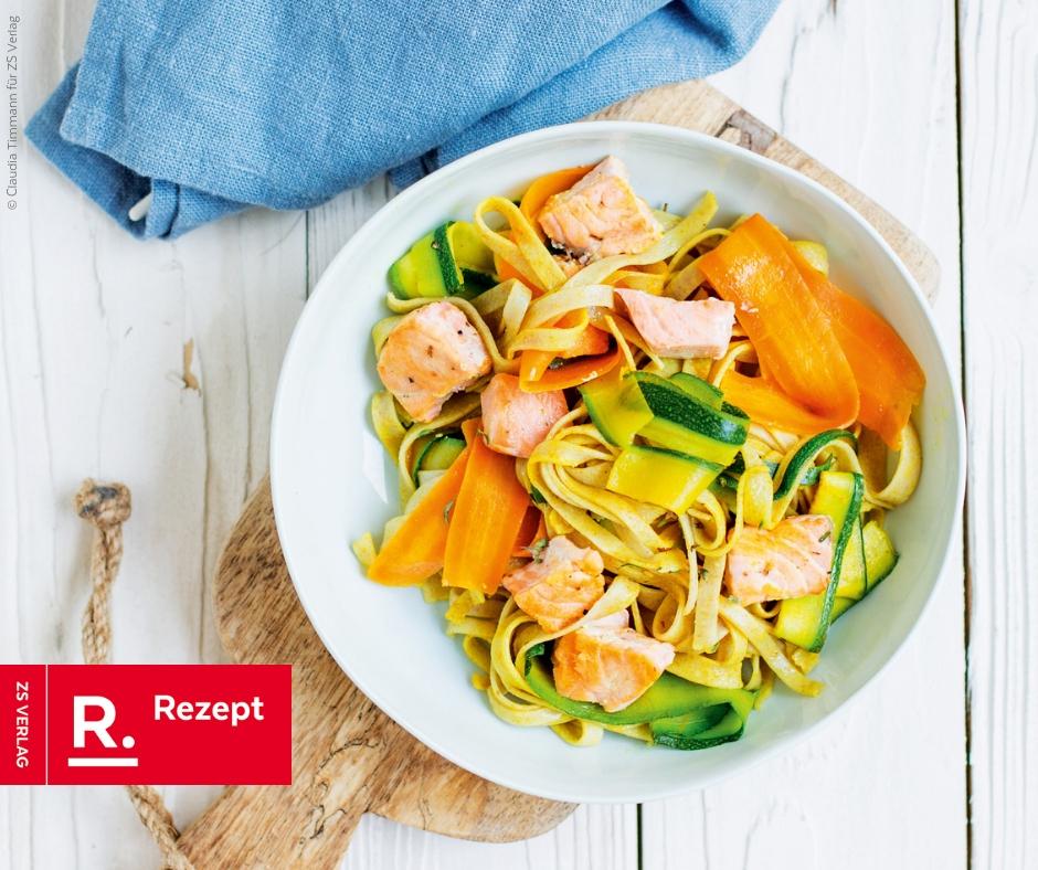 Tagliatelle mit Lachs Rezept von den Ernährungs-Docs - Rezept Bild