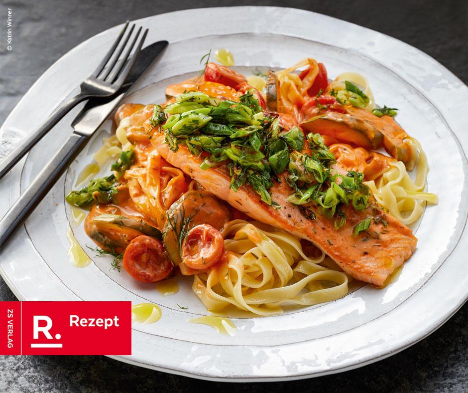 Pasta mit Lachs und Weißweinsahnesauce - Rezept Bild