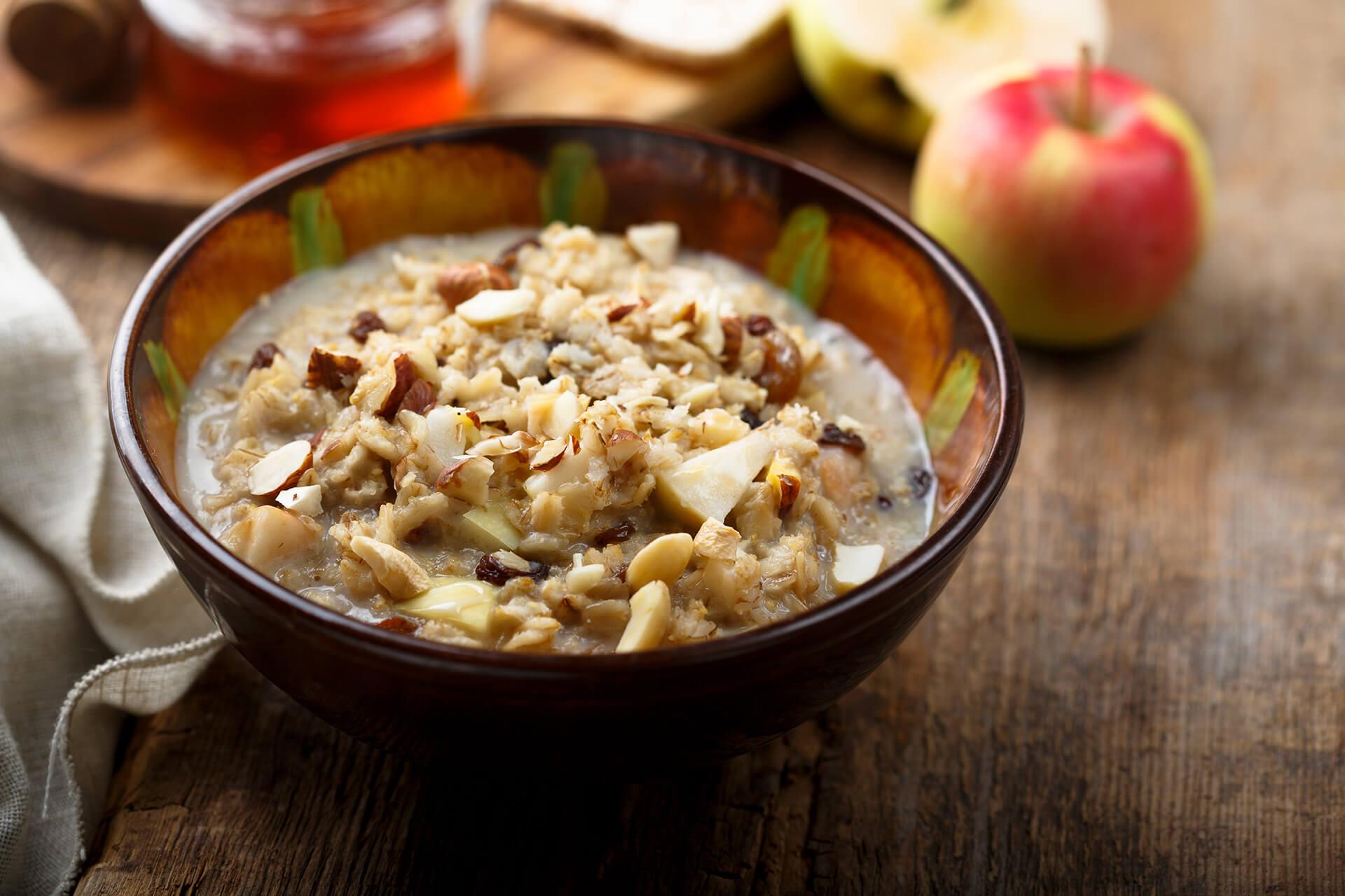 Frühstück Bircher Müsli mit Beeren - Rezept Bild