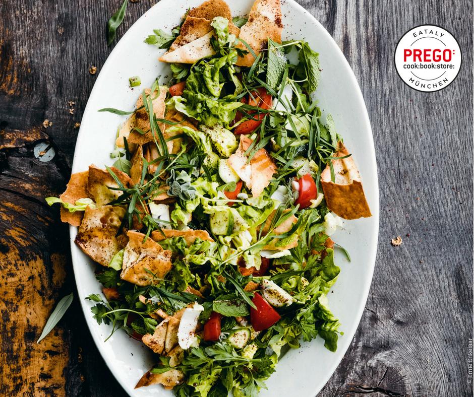 Fattoush - Salat mit Gurke, Tomate und Sumach - Rezept Bild