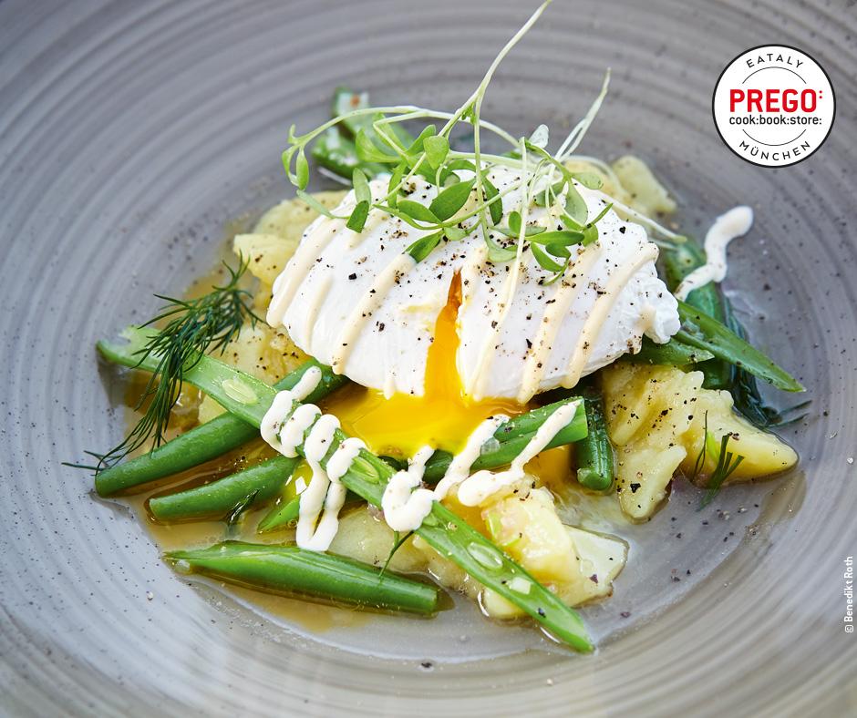 Kartoffelsalat mit Bohnen und pochiertem Ei - Rezept Bild